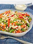 Gerste und Gemüse-Salat