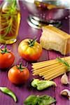 Zutaten für Spaghetti mit Käse und Gemüse