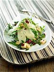 Salade de roquette laitue, poire, cerise, du tofu et tofu