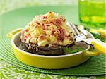 Artichoke cheese-topped dish