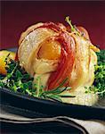 Râble de lapin aux abricots et bacon