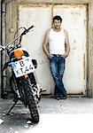 Homme à la moto