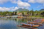 Indonesia, Bali, Ulun Danu Bratan temple, Bratan lake