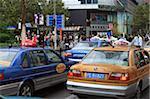 Taxis près Square, Shanghai, Chine, Asie du peuple