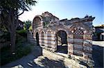 Ruines de l'église médiévale de Archangels Saint Michel et Saint Gabriel, vieille ville, patrimoine mondial de l'UNESCO, Nessebar, Bulgarie, Europe