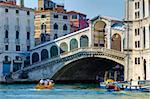 Pont du Rialto sur le Grand Canal, Venise, UNESCO World Heritage Site, Veneto, Italie, Europe