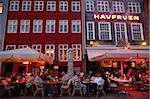 Nyhavn à la tombée de la nuit, Copenhague, Danemark, Scandinavie, Europe