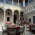 Restaurant à l'intérieur de la Medina, Tunis, Tunisie, l'Afrique du Nord, l'Afrique