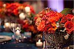 Mitteldecken auf Tisch dekoriert für Hochzeit