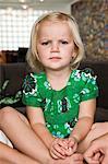 Portrait eines Mädchens mit Dominos