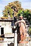 Statue im Friedhof Pere Lachaise, Paris, Frankreich