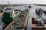 Écluse de Brunsbuttel, Canal de Kiel, Schleswig-Holstein, Allemagne, Europe