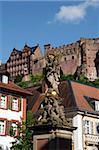 Blick vom Kornmarkt zum Schloss, Heidelberg, Baden-Württemberg, Deutschland, Europa
