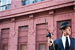 Gangster tenant mitraillette sur lookout