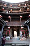 Cour de Zhencheng Lou au village de Hongkeng, Yongding, Fujian, Chine