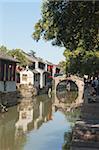 Pont de pierre sur le canal, Zhouzhuang, Kunshan, Jiangsu Province, Chine