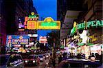 Nathan Road à nuit, Tsimshatsui, Kowloon, Hong Kong