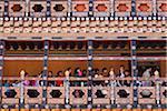 La queue de bénédictions à Trongsa Dzong.