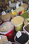 Les haricots secs et légumineuses au marché de Guangzhou, Guangdong, Chine