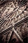 Détail d'architecture de la façade principale de Notre Dame, Paris, Ile de France, France, Europe