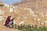 Do'an de Wadi Hadhramaut, Yémen, Ribat Ba-Ashan. Un heureux homme yéménite détient son AK-47.