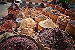 Anzeige von Gewürzen und Kräutern im Markt, Sharm El Sheikh, Ägypten, Nordafrika, Afrika