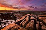 Frostigen Winter Sunrise, Froggatt und Curbar Rand, Peak-District-Nationalpark, Derbyshire, England, Vereinigtes Königreich, Europa