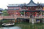 Hu Xing Ting Teahouse and zigzag Bridge of Nine Turnings, Yu Yuan (Yuyuan) Bazaar, Shanghai, China, Asia