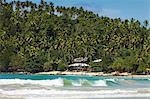 Promontoire Ouest & fin de surf de la plage côte sud whale watch de Mirissa, près de Matara, Province du Sud, Sri Lanka, Asie
