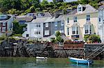 Maisons sur le bord de l'eau à Fowey, Cornwall, Angleterre, Royaume-Uni, Europe