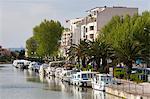 Bateaux sur le Canal de la Robine, Narbonne, Languedoc-Roussillon, France, Europe