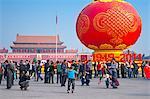 Gens du pays sur la place Tianamen au cours de la journée nationale festival, Beijing, Chine, Asie