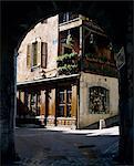 Archway dans la vieille ville, Annecy, lac d'Annecy, Rhone Alpes, France, Europe