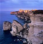 Die Falaise und Haute Ville im Morgengrauen, Bonifacio, Korsika, Korsika, Mittelmeer, Südeuropa