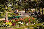 Les gens se promenant dans les Jardins Botanique (jardin botanique), Tours, Indre et Loire, Centre, France, Europe