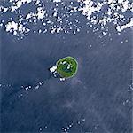 Niuafo'Ou volcan, Tonga îles, True Image Satellite de la couleur. Image satellite de Niuafo'ou volcan, Tonga, couleur vraie. Niuafo'ou (250 m) est un volcan actif situé dans l'archipel des Tonga. Image prise le 28 janvier 2000 à l'aide de données LANDSAT. Impression format 30 x 30 cm.