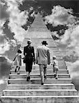 DES ANNÉES 1950 EN ARRIÈRE VUE MONTAGE FAMILLE PÈRE MÈRE FILLE FILS MARCHER JUSQU'À L'ESCALIER ENSEMBLE DANS LE CIEL SYMBOLIQUE