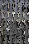 Grand groupe d'accrocher les crochets dans le magasin de clés