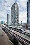 SkyTrain und Downtown Eigentumswohnungen, Vancouver, British Columbia, Kanada