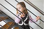 Fille sur escaliers, Allemagne