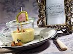 Soupe aux champignons et pommes de terre de chanterelles avec roulade de poitrine de canard
