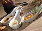 Drei verschiedene Suppen Löffel