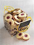 'Karlsbader' lemon rings (jelly filled cookie) for gift giving