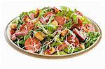 Salade Romaine, Salami, fromage et croûtons ; Fond blanc