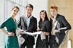 Porträt von Führungskräften in einem Büro arbeiten