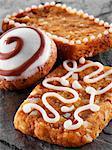 Silésie et en français des biscuits « noix de poivre » décoré de sucre à glacer
