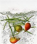 Poires et les haricots dans l'eau bouillante