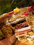 Hühnerbrust gefüllt mit Kräutern und Paprika auf dem grill
