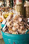 Produits de fruits de mer séchés dans un marché en Thaïlande