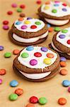 Secteurs de Whoopie avec boutons de couleur chocolat